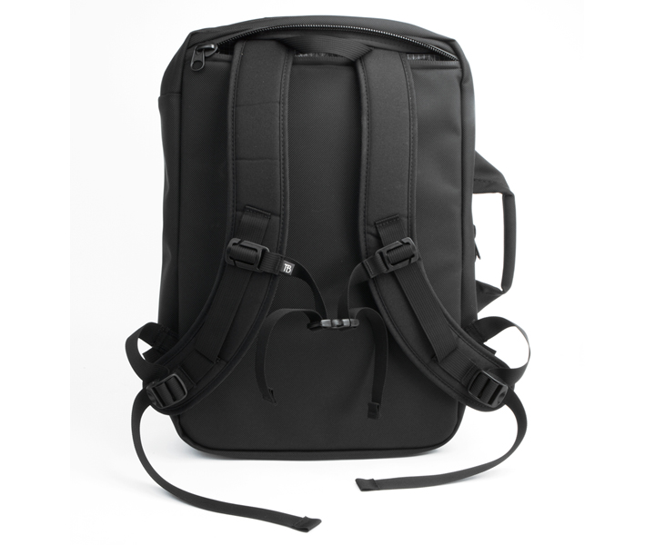 Tom Bihn Western Flyer Review - the backpack straps