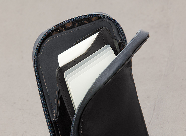 bellroy phone pocket review cards